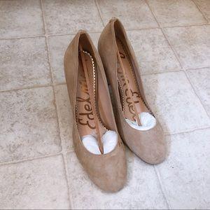 Sam Edelman beige suede heels very new condition